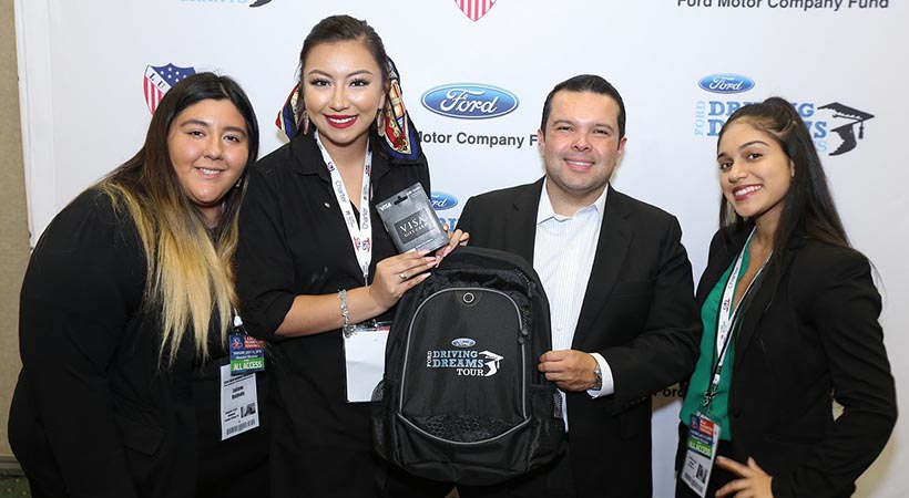 Joe Ávila, Orgullo Latino en Ford