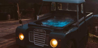 Land Rover transformado en jacuzzi