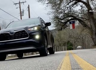 Test Drive Toyota Highlander 2020