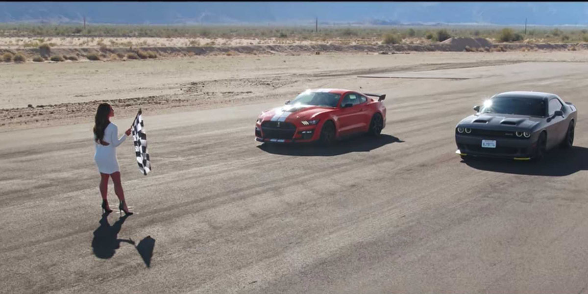 Shelby GT500 vs Dodge Challenger Hellcat