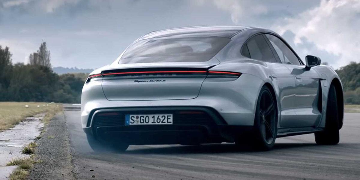 Porsche Taycan Turbo S gira la pista de Top Gear