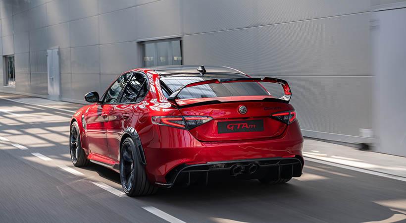 Mejores autos deportivos italianos 2020
