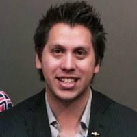 Chad Lyons, Gerente de Comunicaciones Globales de Productos de GMC